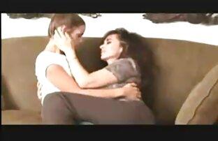 Naughty video amateur film x Hot Chick aime pénétrer ses deux trous