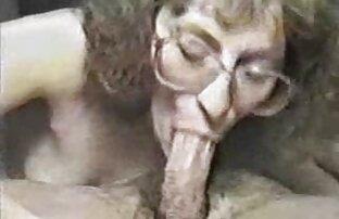 Capri et Jenaveve s'amusent film x extrait amateur sexy dans des filets de pêche